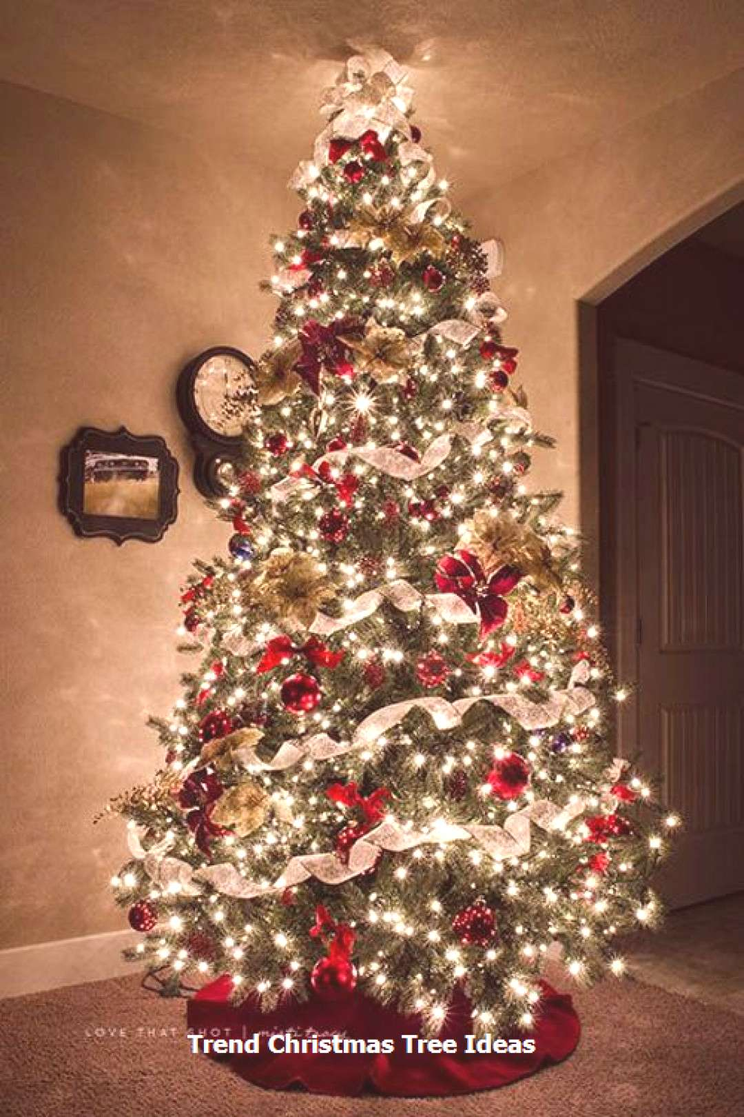 23 Christmas Tree Ideas That'll Really Make a Statement This Holiday The Christmas trees always rem