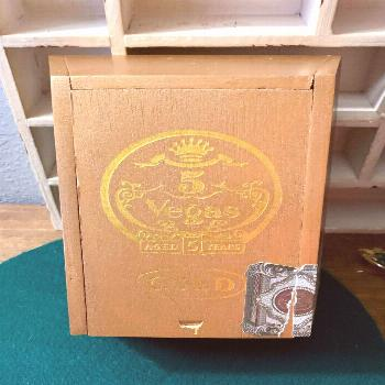 Excited to share this item from my shop: Vintage Cigar Box, Wooden 5 Vegas Gold Box, Wooden Cigar B