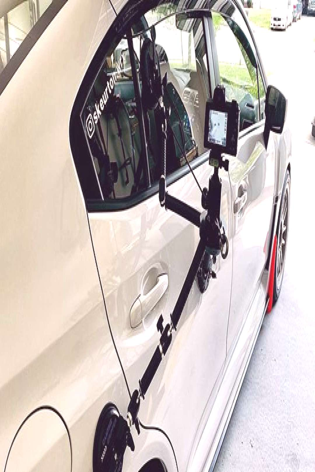Camtree G-51 Camera Gripper Campod Suction Car Mount Get into the action by attaching your camera t
