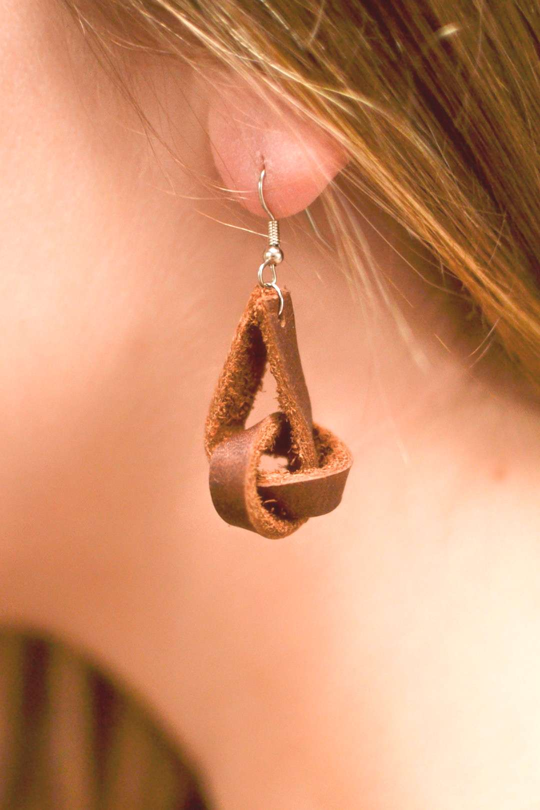 Handmade leather earrings - your chioce color block circles with Argentium or gold-colored ear wire